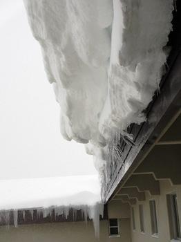屋根雪1.jpg